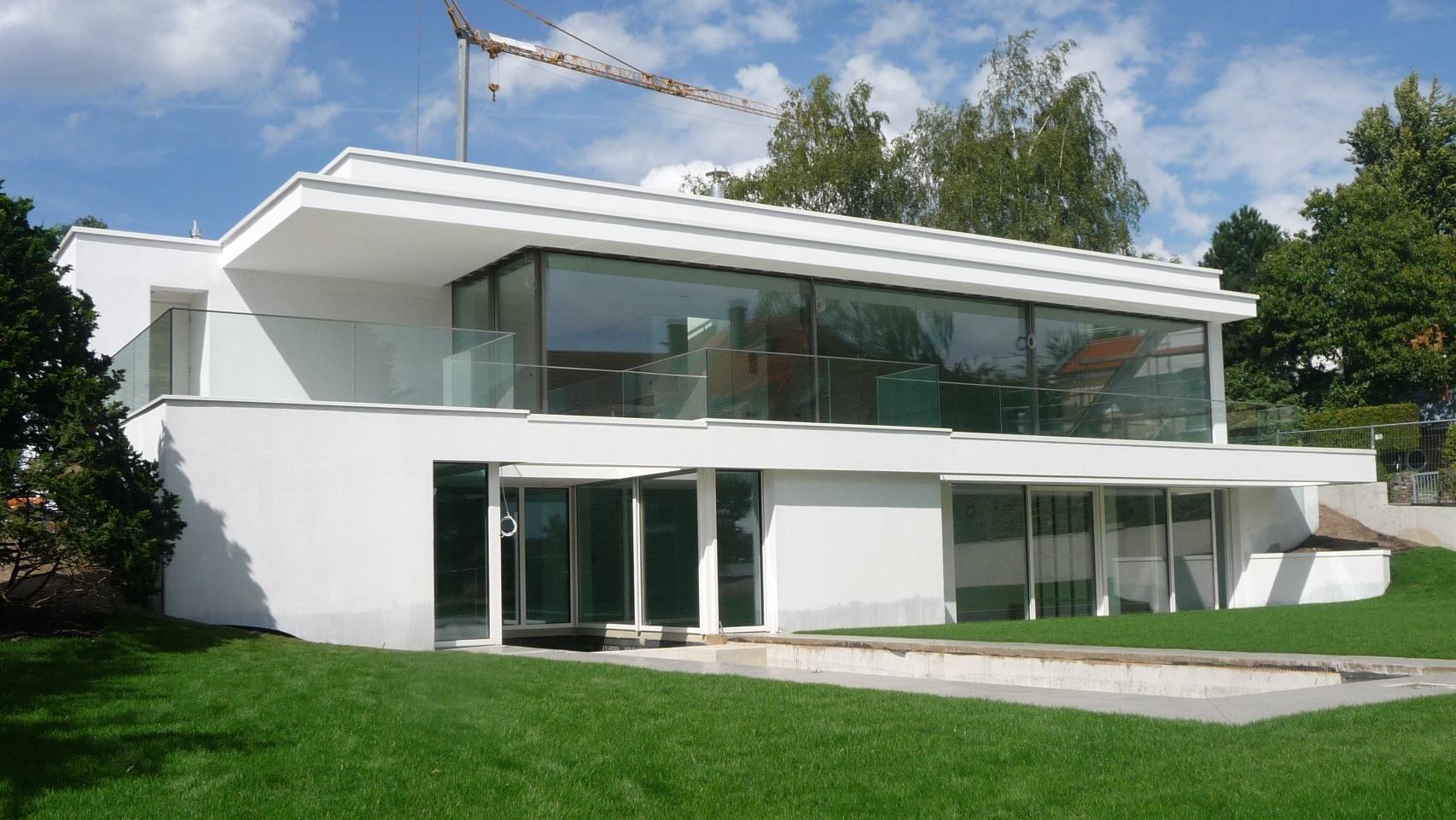 Hans joachim wienert kronberg for Moderne villa bauen